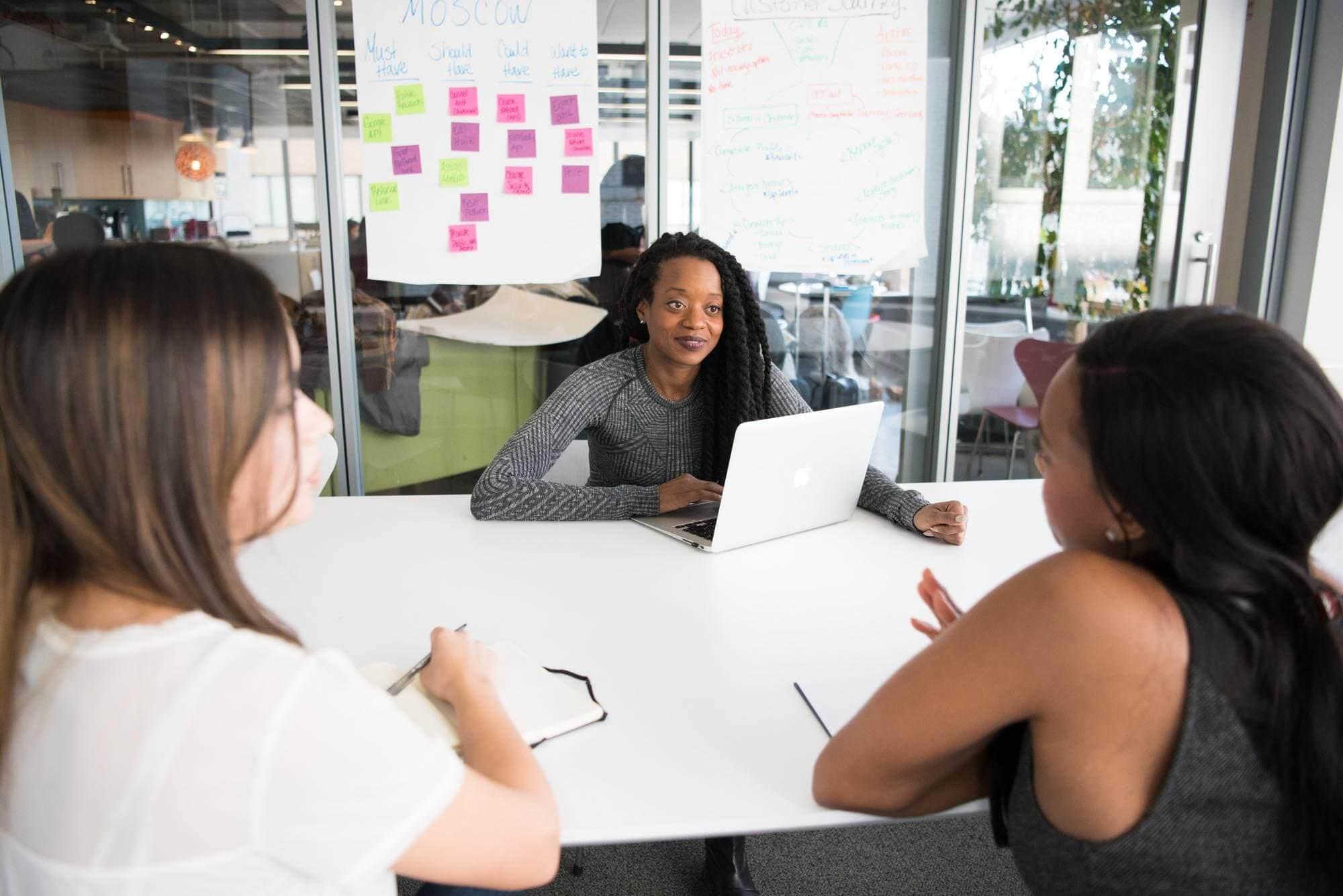 Digitalisierung Diversität Frau in der IT